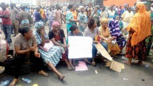 Customs urges protesting rice seller to show claim of legal implication