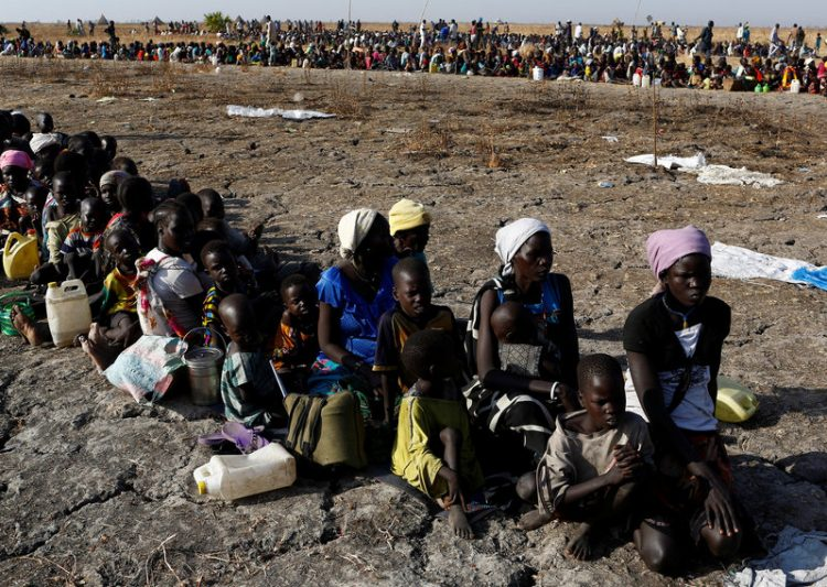 Tens of thousands flood into Sudan from famine-hit South Sudan