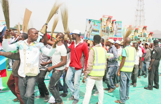 PIC. 7. APC SUPPORTERS DURING THE PARTY'S PRESIDENTIAL RALLY AT OVOM IN YENAGOA ON THURSDAY. 6826/8/1/2015/AO/BJO/NAN