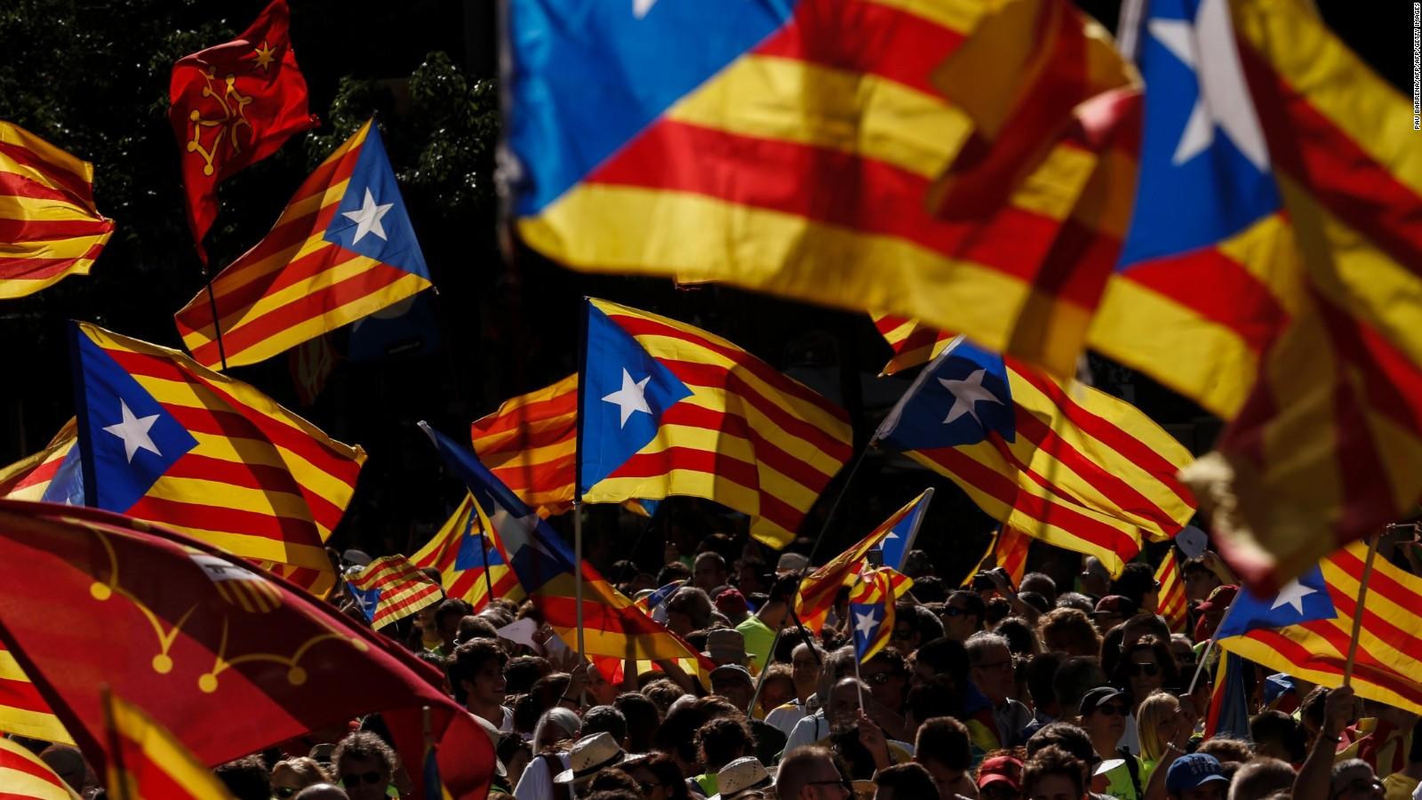 171005103015-catalonia-flags-full-169-TVCNews