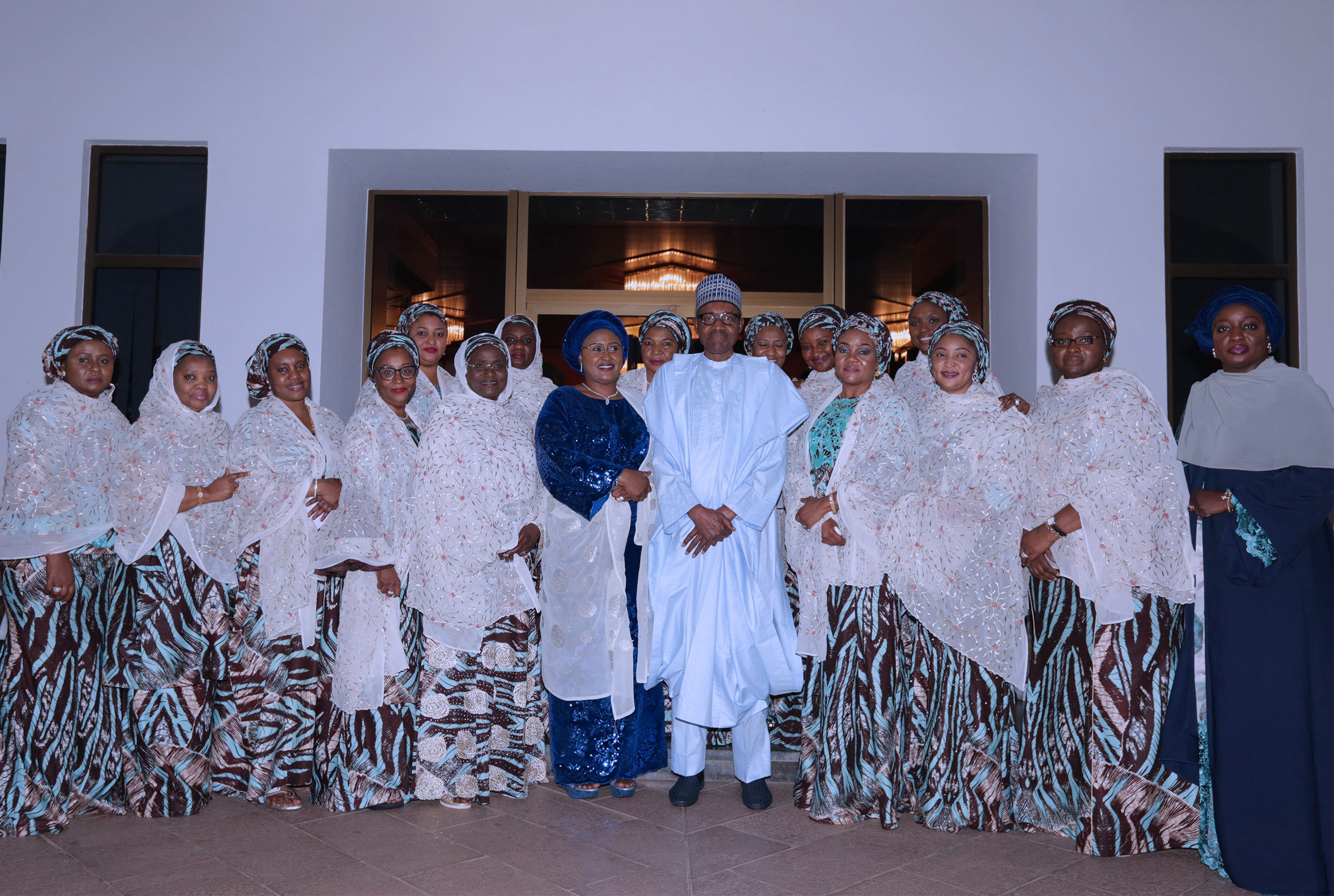 PRESIDENT BUHARI RECEIVES 36 STATES GOV'S WIVES 8B. President Muhammadu Buhari, his wife Hajiya Aisha Muhammadu Buhari and Wives of Northern State Governors during an audience at the State house Saturday night in Abuja. PHOTO; SUNDAY AGHAEZE. MAY 26TH MAY 2018.