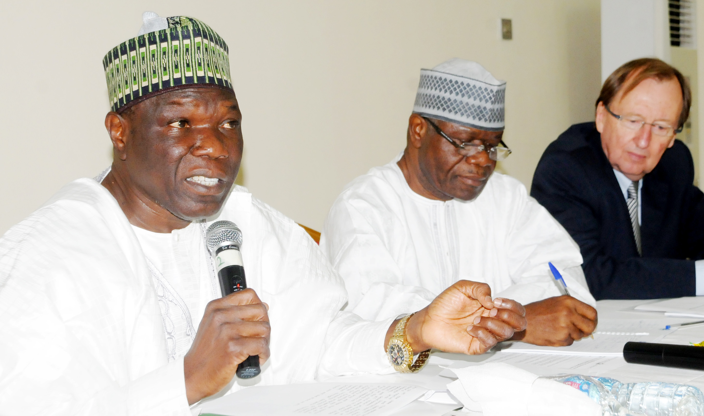 PIC.3. FROM LEFT: PRESIDENT, NATIONAL UNION OF ROAD TRANSPORT WORKERS, ALHAJI NAJEEM   YASIN; GUEST SPEAKER, DR EMMANUEL SOKPO, AND CHAIRMAN, HEALTH PARTNERS INTERNATIONAL, MR   BRYAN HADDON, AT A SEMINAR ON ACCELERATING THE ATTAINMENT OF UNVERSAL HEALTH COVERAGE   THROUGH COMMUNITY BASED EMERGENCY TRANSPORT SCHEMES IN ABUJA ON FRIDAY (20/11/15). 7290/20/11/2015/JAU/CH/NAN