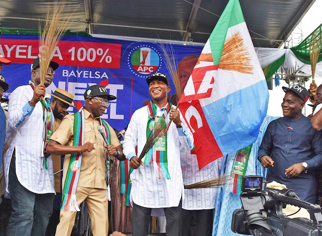 Pic.20. From left: Former Governor of Bayelsa and Minister of State for Petroleum Resources, Timipre Sylva; National Chairman of APC, Adams Oshiomhole; APC Governorship Candidate for Bayelsa, Lyon Pereworimin; and Sen. Ita Enang, during the APC grand-finale rally for the Nov. 16 governorship election, in Yenagoa on Tuesday (12/11/19). 07540/12/11/2019/Anthony OKpu/BJO/NAN