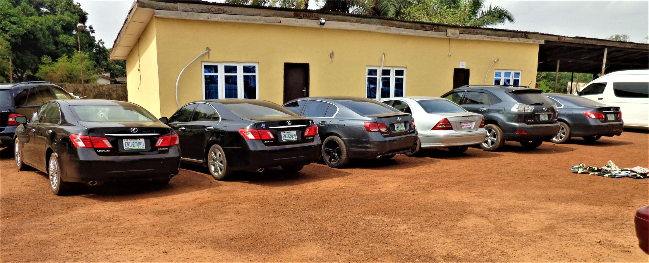 EFCC arrests 10 suspected fraudsters in Enugu - TVC News