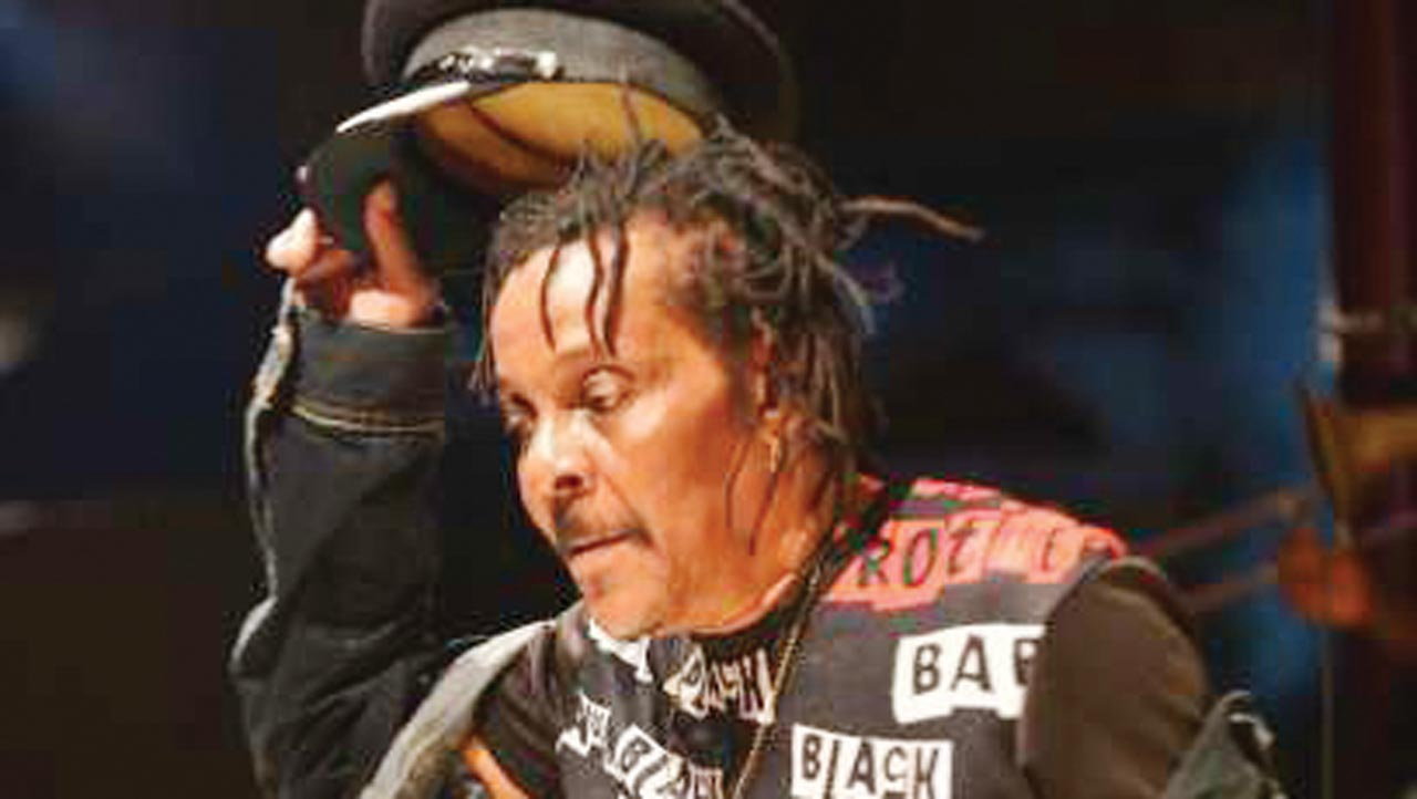 Minister, Buhari's Aide, others react as Majek Fashek dies in NY