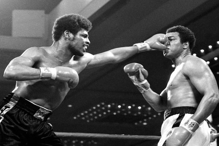 Boxer Leon Spinks, who toppled Muhammad Ali, dies at 67