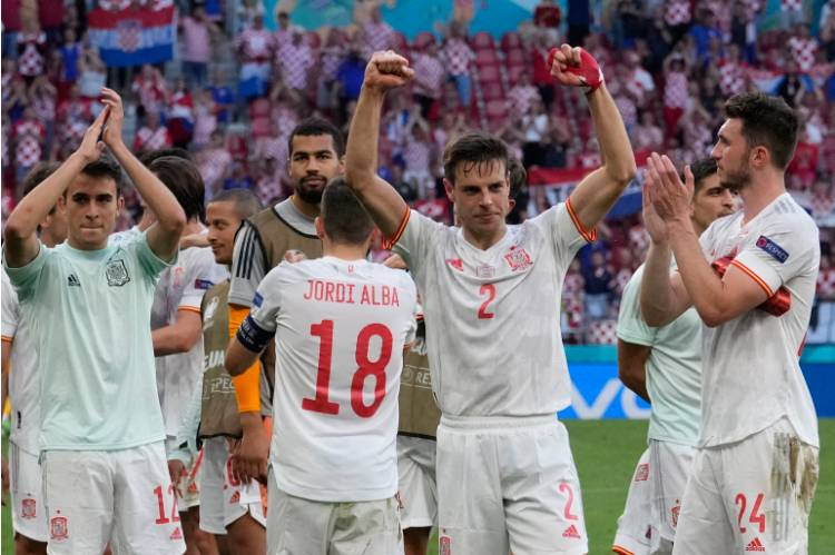 Spain book place in last eight of European Championships