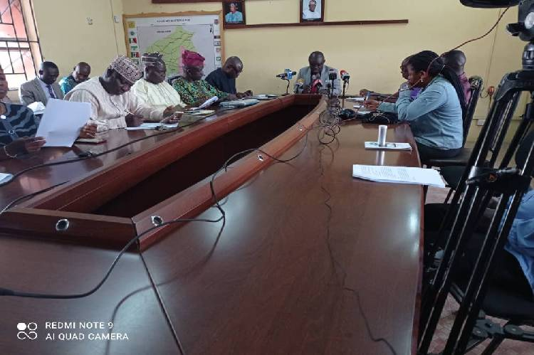 2023 Election: Over 700,000 PVCs yet to be collected in Oyo state - INEC