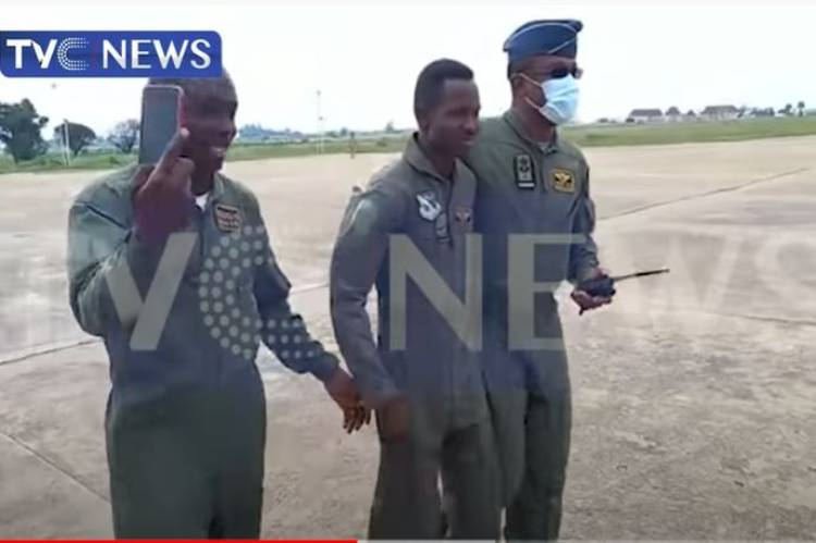 Military authorities celebrate heroic survival of one of it's fighter pilots