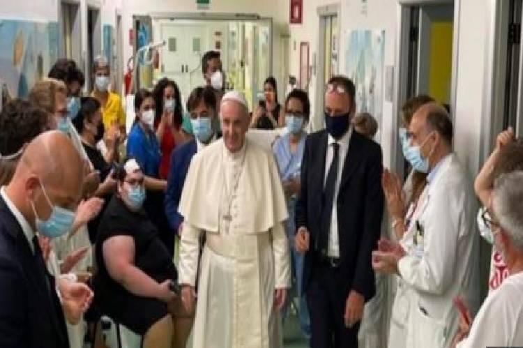 World news about Pope Francis colon surgery