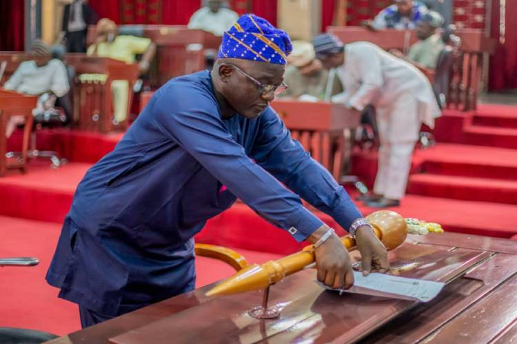 Latest Breaking News about Oyo State House of Assembly: Oyo State Assembly passes Funds Management Bill