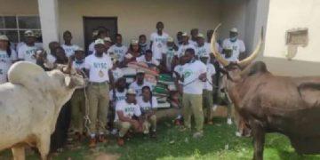 Buhari donates N1m, cows, rice to NYSC members