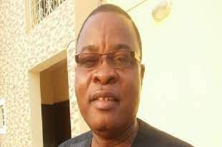 A former National Youth Leader of the People's Democratic Party (PDP), Dennis Alonge has detected to the All Progressives.