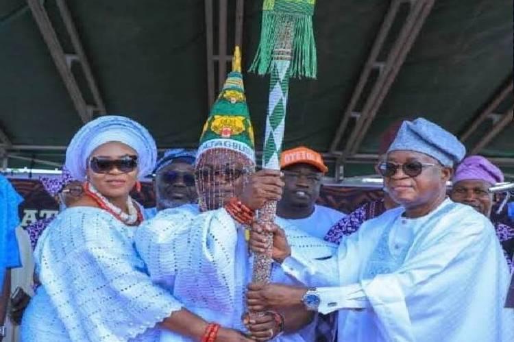 latest news , Oyetola presents staff of office to Owaloko of Iloko-Ijesa