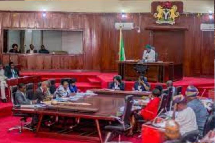 Latest Breaking News about Oyo state : Oyo State House of Assembly dismisses account freezing rumour by EFCC