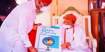 okowa congratulates Asagba of Asaba on the occassion of his 97th birthday