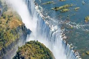 Zimbabwe reopens Victoria Falls border to vaccinated tourists