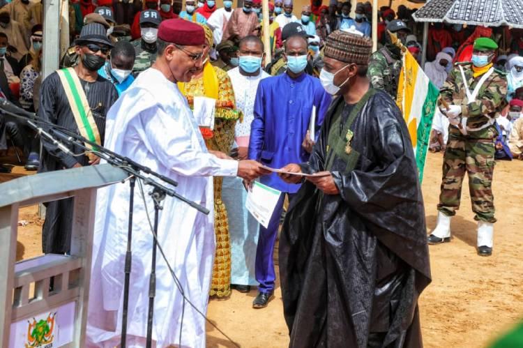 President Bazoum awards Zulum with Nigerien equivalent of GCON