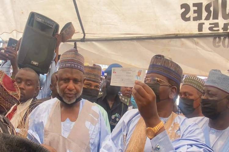 Latest Breaking News about Zamfara Politics : Governor Bello Matawalle registers as Card carrying member of the APC
