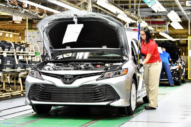 Toyota to cut Sept output by 40% amid chip shortage, covid resurgence
