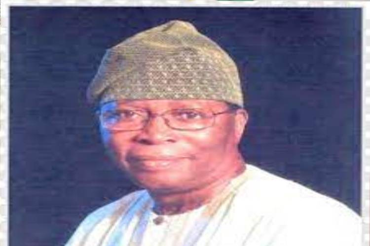 Latest Breaking News about Oyo State: Former Oyo State Military administrator, General Adetunji Olurin, dies at 76