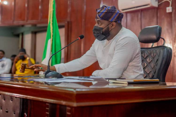 Latest Breaking News in Oyo State: Oyo Speaker, Oguindoyin, moves motion for infrastructure, grant for Lanlate College