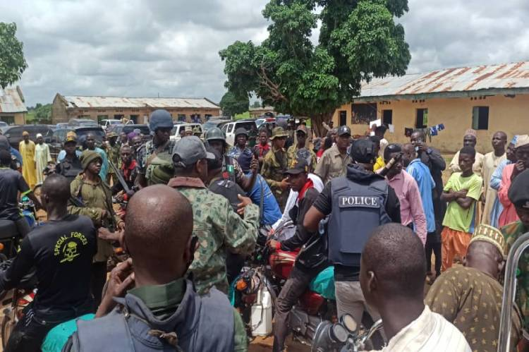 Latest Breaking News about Niger State: Governor Sanni Bello inspects security measures in Niger Communities