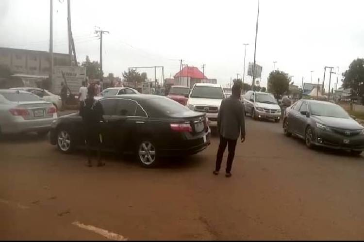 Updated: FUTA students block school gates to mourn colleague who died in road accident