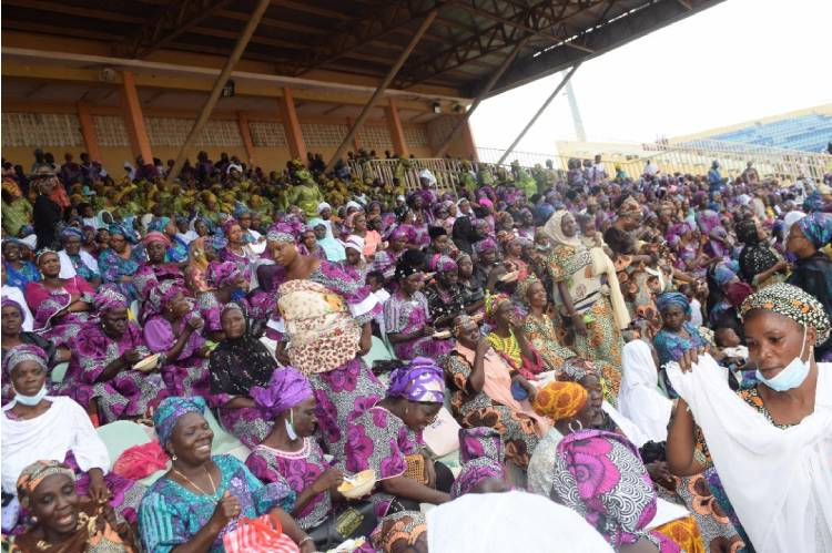 Latest news is that Kwara women rally support for governor Abdulrasaq