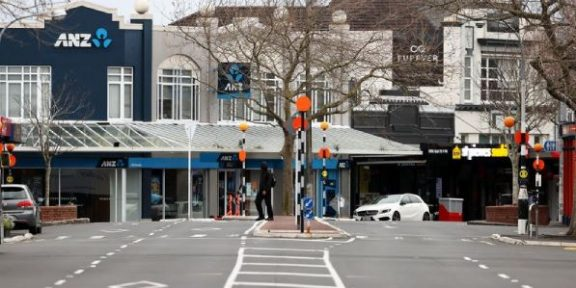 Covid-19: NZ reports first death linked to Pfizer vaccine, extends lockdown in Auckland
