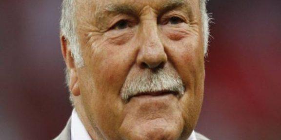 Latest Breaking Football News : Former England Strker, Jimmy Greaves, dies at 81