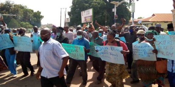 Latest Breaking News about Police in Nigeria: Retired Police Officers protest in Kaduna Over poor benefits