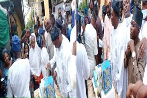 Lastest Breaking News About Seyi Maqkinde : Gov,. Makinde salutes former Oyo Governor, Ladoja, at 77