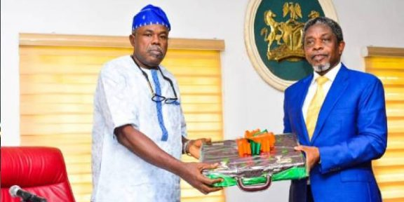 Latest Breaking News About Ondo State: Governor Oluwarotimi Akeredolu presents 2022 budget to State House of Assembly