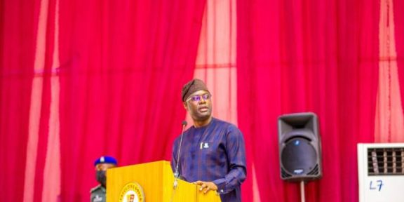 Governor Makinde presents N294bn 2022 fiscal budget to Oyo Assembly
