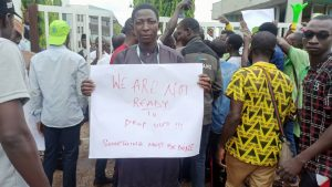 IBBU tuition fees hike: Students protest, barricade entrance of Niger State House of Assembly