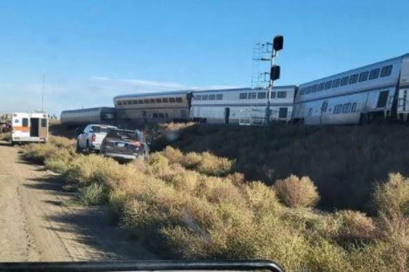 U.S: Train derailment in Montana, leaves at least three dead, fifty injured