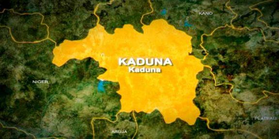 Angry mob lynch three suspected Bandit informants in Kaduna