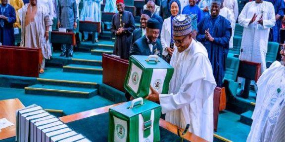 Buhari set to present 2022 budget