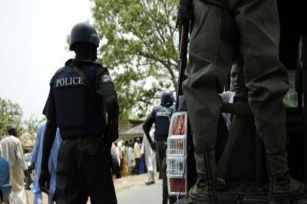 The Police in Kogi have arrested three suspects believed to belong to a gang of kidnappers terrorising motorists on Itobe-Anyigba highway.